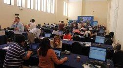 Συνωστισμός ξένων δημοσιογράφων στην Αθήνα για τις αυριανές εκλογές
