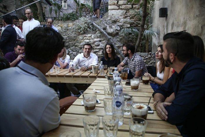 Ο χαλαρός καφές του Τσίπρα και η «αποκάλυψη» για τον Ολάντ - εικόνα 3