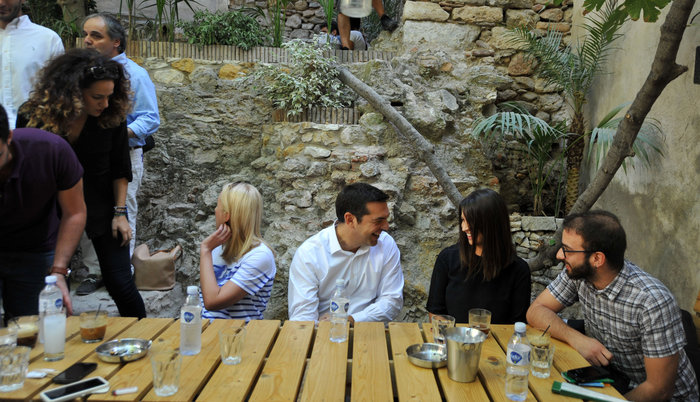 Ο χαλαρός καφές του Τσίπρα και η «αποκάλυψη» για τον Ολάντ - εικόνα 7