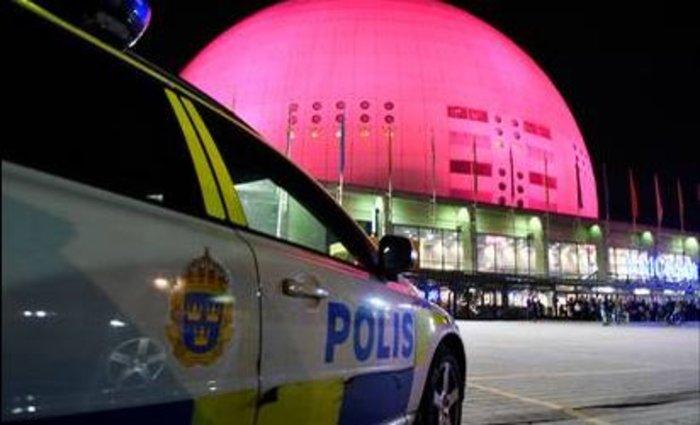 Πανικός από ένοπλο σε συναυλία των U2 στη Στοκχόλμη (βίντεο) - εικόνα 2