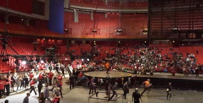 Πανικός από ένοπλο σε συναυλία των U2 στη Στοκχόλμη (βίντεο)