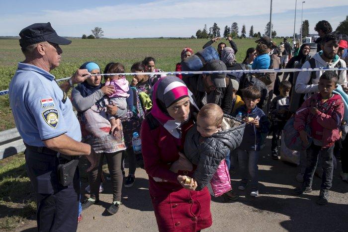 Οι 28 αναζητούν ξανά «λύση» για το προσφυγικό