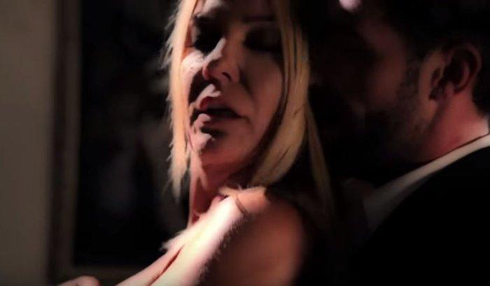 Πρωταγωνίστρια στο βιντεοκλίπ του πρώην συντρόφου της! - εικόνα 2