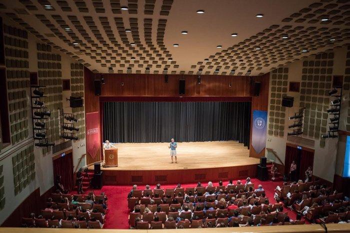 "Greg Louganis: «Ευχαριστώ αυτούς που μου έκαναν bullying στο σχολείο"""