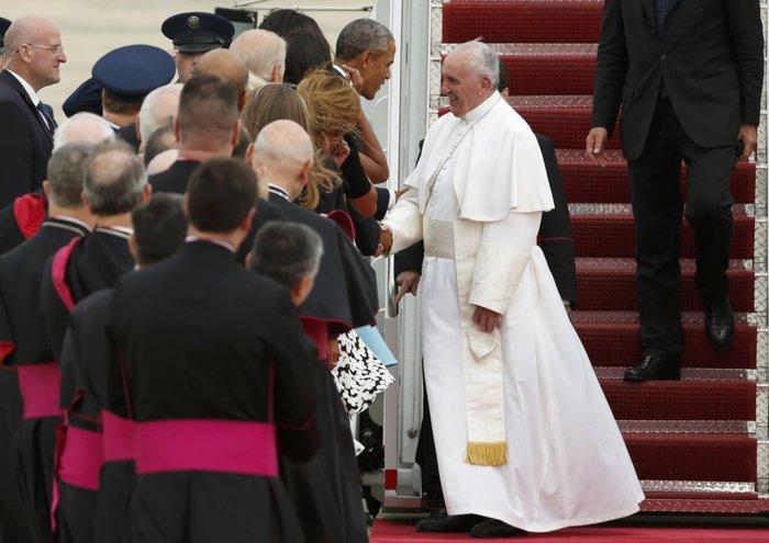 Πρώτη φορά στις ΗΠΑ ο πάπας Φραγκίσκος: η υπόκλιση Ομπάμα - εικόνα 6