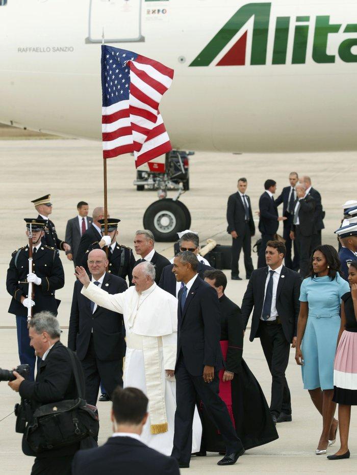 Πρώτη φορά στις ΗΠΑ ο πάπας Φραγκίσκος: η υπόκλιση Ομπάμα - εικόνα 15