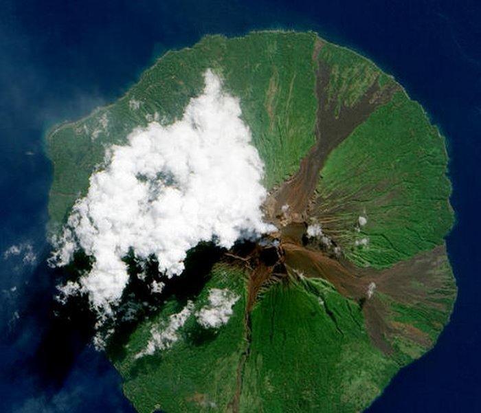 Εκρήξεις ηφαιστείων από το διάστημα - Εκπληκτικές φωτογραφίες της ΝΑΣΑ - εικόνα 2