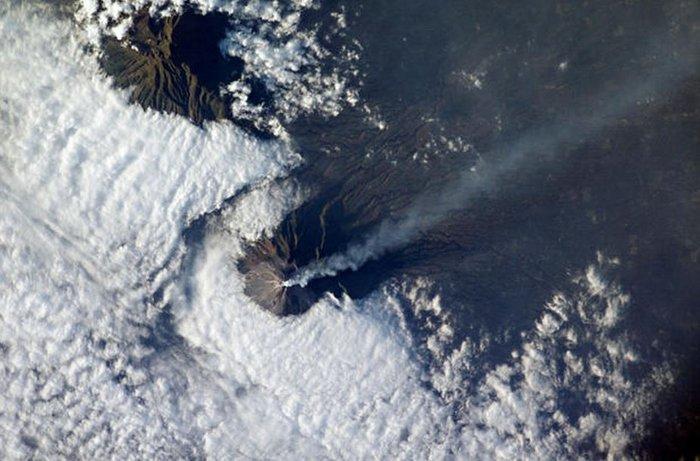Εκρήξεις ηφαιστείων από το διάστημα - Εκπληκτικές φωτογραφίες της ΝΑΣΑ - εικόνα 9