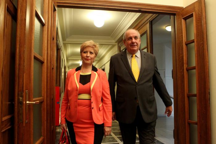 Δείτε τι φόρεσαν στο υπουργικό οι γυναίκες υπουργοί της κυβέρνησης - εικόνα 6