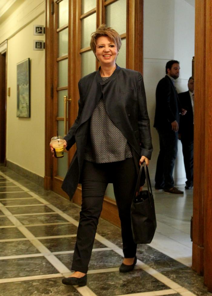 Δείτε τι φόρεσαν στο υπουργικό οι γυναίκες υπουργοί της κυβέρνησης - εικόνα 2