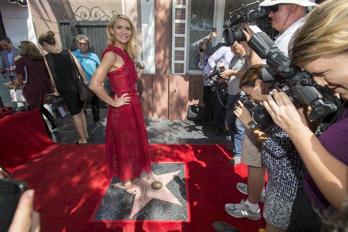 Χόλιγουντ: Απαστράπουσα η Κλαιρ Ντέινς αποκαλύπτει το άστρο της - εικόνα 4