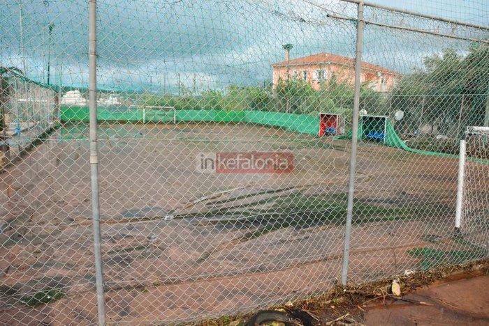 Νερά, λάσπη & μπάζα έχουν πνίξει την Κεφαλονιά (φωτό) - εικόνα 6
