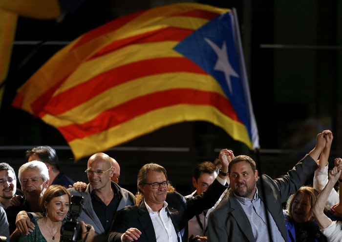 Μεγάλη νίκη των αυτονομιστών στην Καταλονία - εικόνα 5