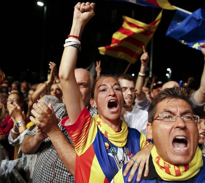 Μεγάλη νίκη των αυτονομιστών στην Καταλονία - εικόνα 7