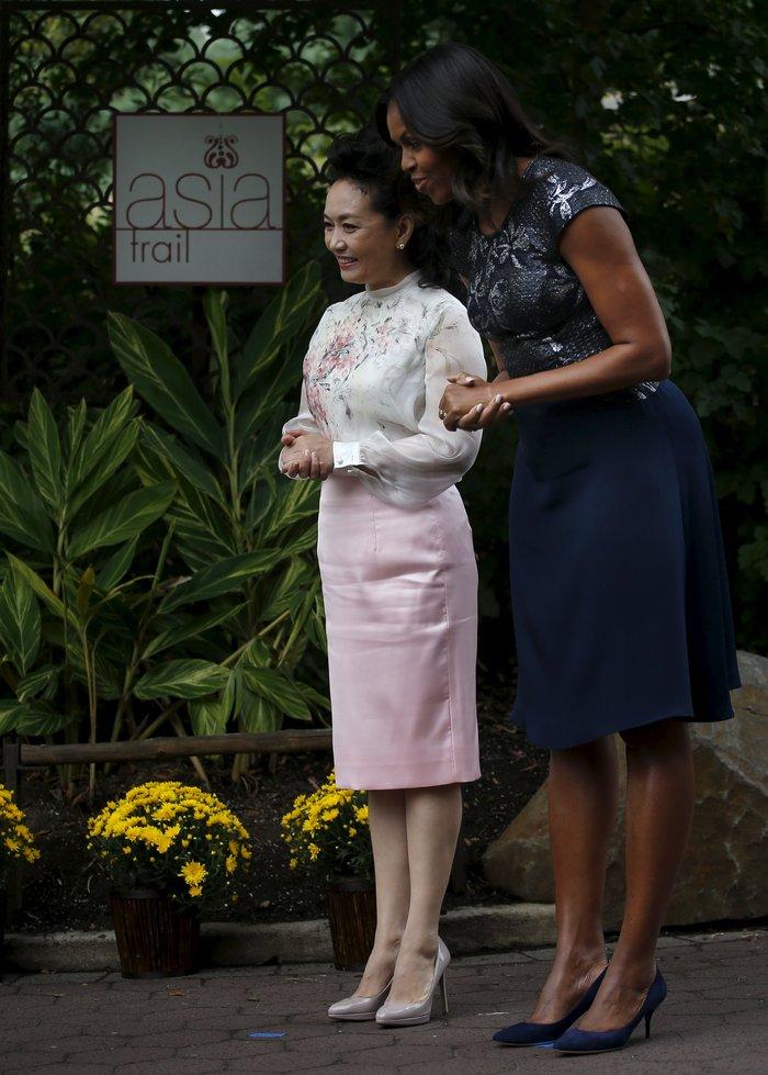 Πώς η αντισυμβατικά όμορφη Μισέλ Ομπάμα «σβήνει» τις άλλες Πρώτες Κυρίες; - εικόνα 12