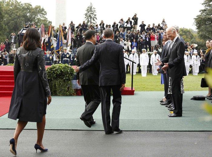 Πώς η αντισυμβατικά όμορφη Μισέλ Ομπάμα «σβήνει» τις άλλες Πρώτες Κυρίες; - εικόνα 15