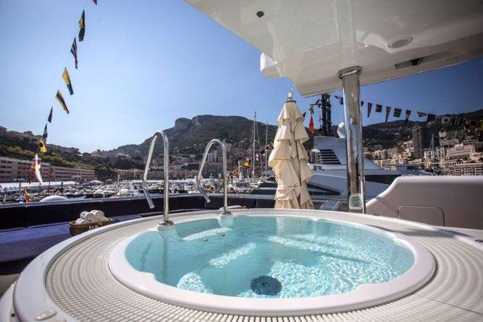 Monaco Yacht Show: Απίστευτη χλιδή στην παρέλαση των μεγαλύτερων γιοτ - εικόνα 3