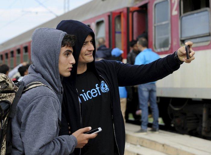 Ο Ορλαντο Μπλουμ στα ελληνικά σύνορα με τους πρόσφυγες - εικόνα 5
