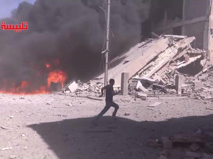 Σφυροκοπούν τη Συρία τα ρωσικά βομβαρδιστικά - εικόνα 2