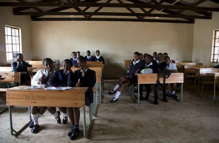 Μαθητές γυμνασίου σε σχολείο, δυτικά του Ντέρμπαν, στη Νότια Αφρική