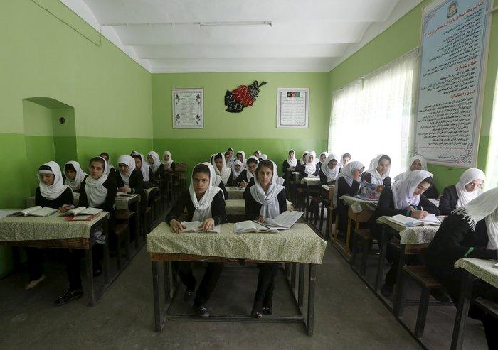Μαθήτριες γυμνασίου στο Αφγανιστάν