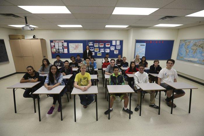 Μάθημα γεωγραφίας σε Λύκειο της πόλης Οτάβα, της πρωτεύουσας του Καναδά.
