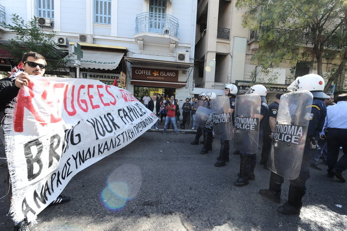 ΕΛ.ΑΣ.: Καμία σκηνή προσφύγων ξανά στην πλατεία Βικτωρίας