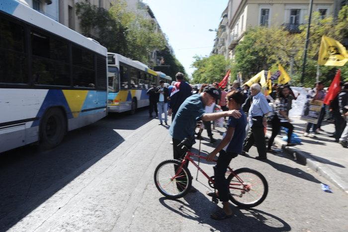 ΕΛ.ΑΣ.: Καμία σκηνή προσφύγων ξανά στην πλατεία Βικτωρίας - εικόνα 3