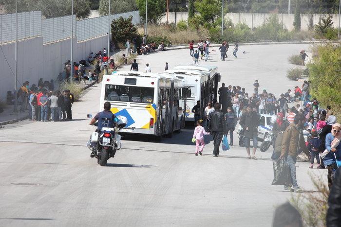 ΕΛ.ΑΣ.: Καμία σκηνή προσφύγων ξανά στην πλατεία Βικτωρίας - εικόνα 4