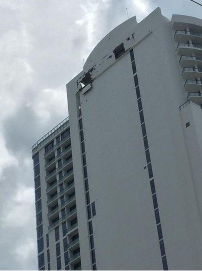Δεκάδες τραυματίες από έκρηξη σε ουρανοξύστη στο Μαϊάμι - εικόνα 4