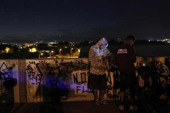 Συγκλονιστικές εικόνες των προσφύγων σε Γαλάτσι και Ελληνικό - εικόνα 4