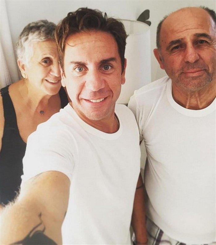 Η Κλειώ και ο Μανώλης είναι οι γονείς του...