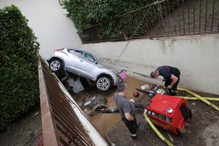 Εικόνες καταστροφής στη Γαλλική Ριβιέρα μετά από τις πλημμύρες - εικόνα 2