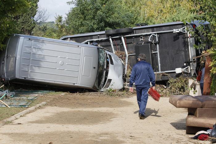 Εικόνες καταστροφής στη Γαλλική Ριβιέρα μετά από τις πλημμύρες - εικόνα 13