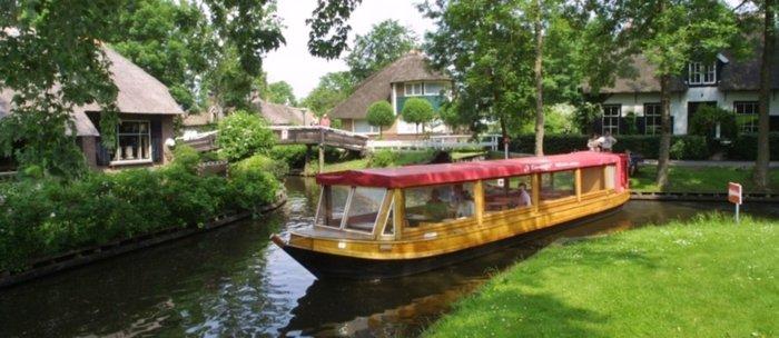 Μαγικό χωριό χωρίς δρόμους στην Ολλανδία μοιάζει βγαλμένο από παραμύθι - εικόνα 6