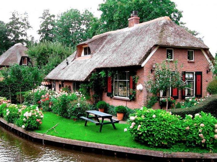 Μαγικό χωριό χωρίς δρόμους στην Ολλανδία μοιάζει βγαλμένο από παραμύθι - εικόνα 9