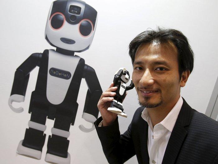 RoboHon: Το έξυπνο ρομποτάκι-smartphone! [Βίντεο]
