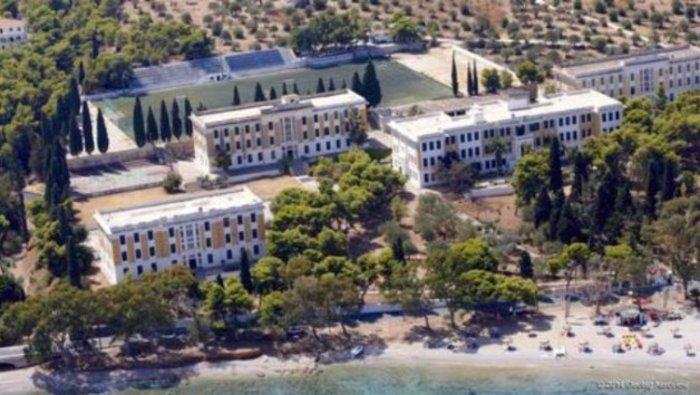 Διαψεύδει ο Μάρδας ότι οι Σπέτσες θα γίνουν το ελληνικό Νταβός - εικόνα 4