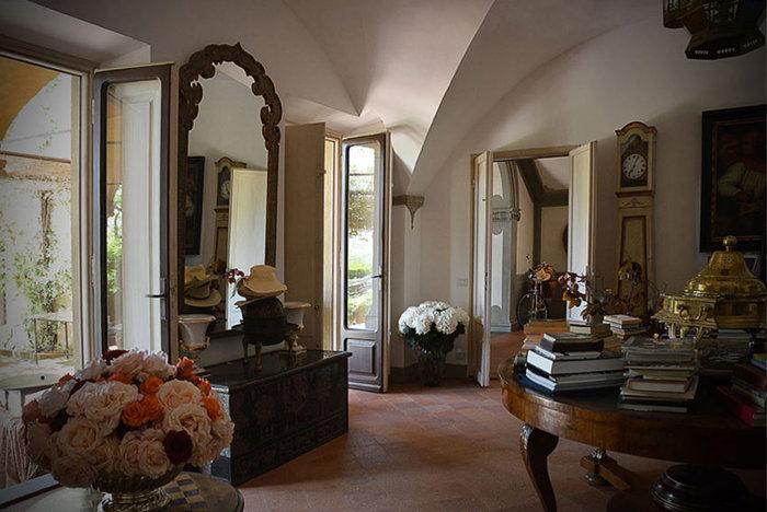 Ξενάγηση στο ειδυλλιακό «παλάτι» του Στινγκ στην Τοσκάνη - εικόνα 10