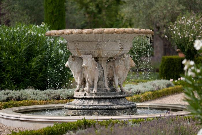 Ξενάγηση στο ειδυλλιακό «παλάτι» του Στινγκ στην Τοσκάνη - εικόνα 14