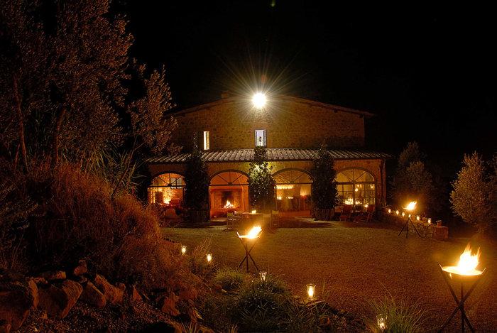 Ξενάγηση στο ειδυλλιακό «παλάτι» του Στινγκ στην Τοσκάνη - εικόνα 18