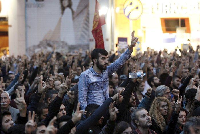 Βαρύ πένθος στην Τουρκία, 95 οι νεκροί - 48 χαροπαλεύουν - εικόνα 4