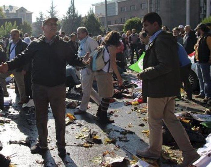 Βαρύ πένθος στην Τουρκία, 95 οι νεκροί - 48 χαροπαλεύουν - εικόνα 11