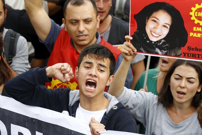 Οργή λαού για το μακελειό στην Αγκυρα.Τι θα κάνει ο Ερντογάν