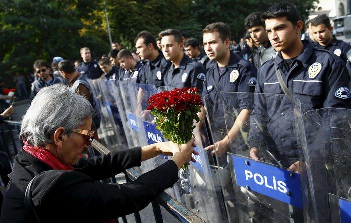 Οργή λαού για το μακελειό στην Αγκυρα.Τι θα κάνει ο Ερντογάν - εικόνα 2