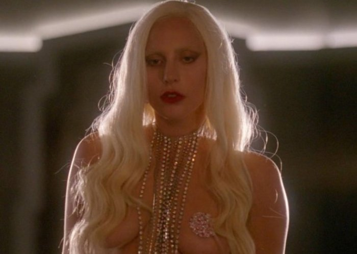 Πολύ τολμηρές εικόνες της Lady Gaga στο American Horror Story - εικόνα 3