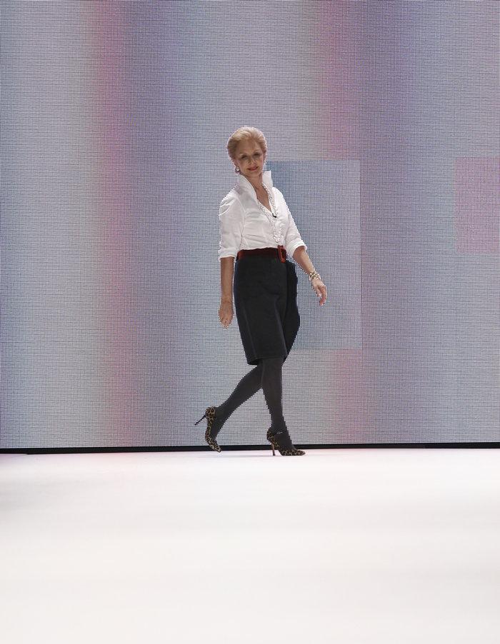 11 φορές που η Καρολίνα Χερέρα απέδειξε ότι στιλ είναι ένα λευκό πουκάμισο - εικόνα 3