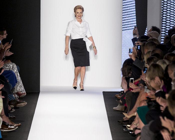 11 φορές που η Καρολίνα Χερέρα απέδειξε ότι στιλ είναι ένα λευκό πουκάμισο - εικόνα 4