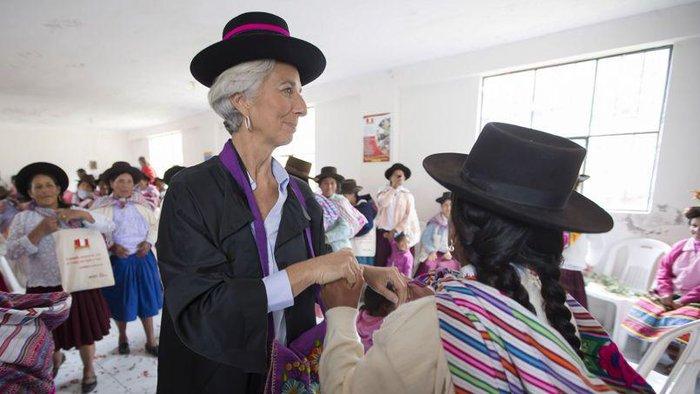 Δείτε τον «διαβολεμένο χορό» της Λαγκάρντ στο Περού - εικόνα 4