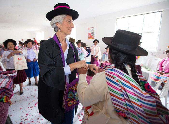 Δείτε τον «διαβολεμένο χορό» της Λαγκάρντ στο Περού - εικόνα 5